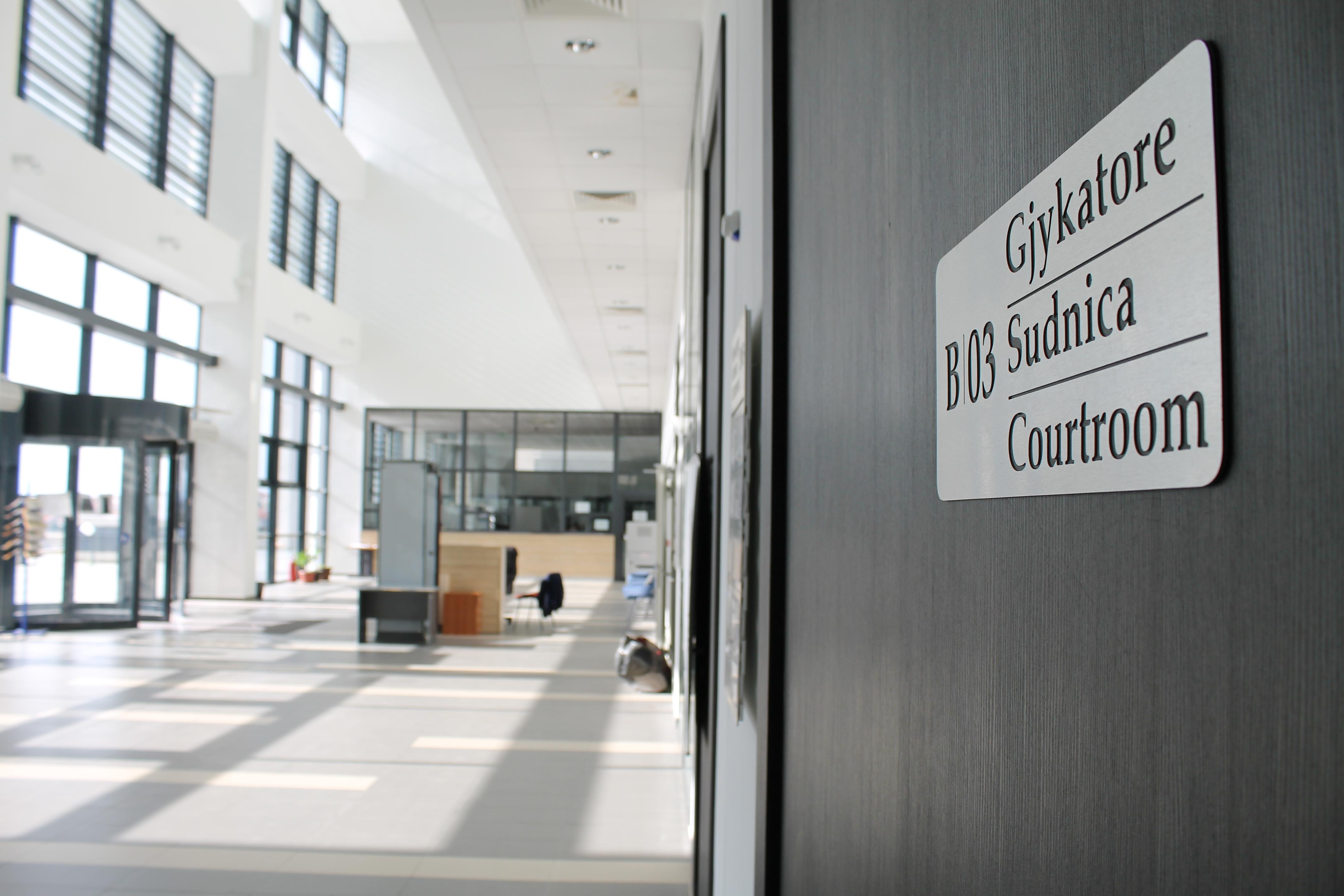 I akuzuari për keqpërdorim të detyrës zyrtare lirohet nga akuza